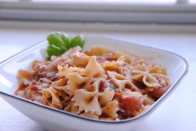 Creamy Tomato Pasta (4)